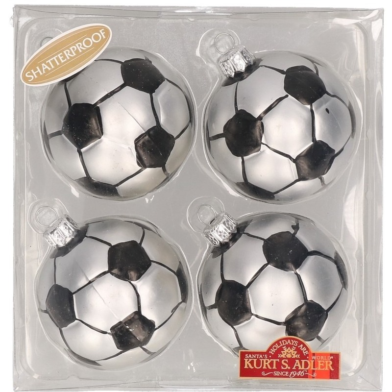 4x Sport thema Kersthangers figuurtjes voetbal 6,5 cm