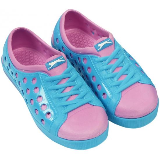 Dames waterschoen van het merk Slazenger in blauw-roze