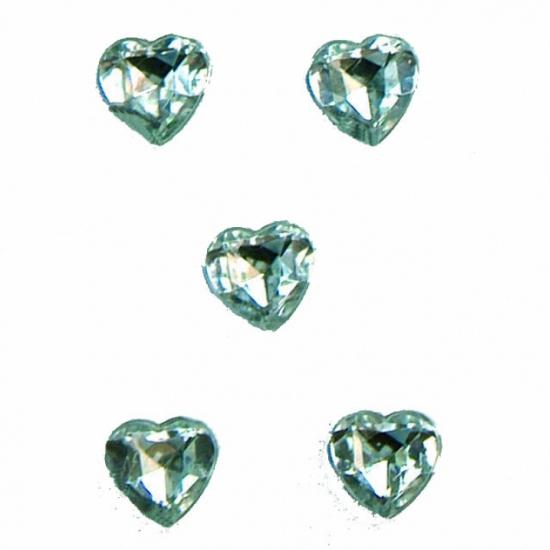 Doorzichtige steentjes in hartvorm