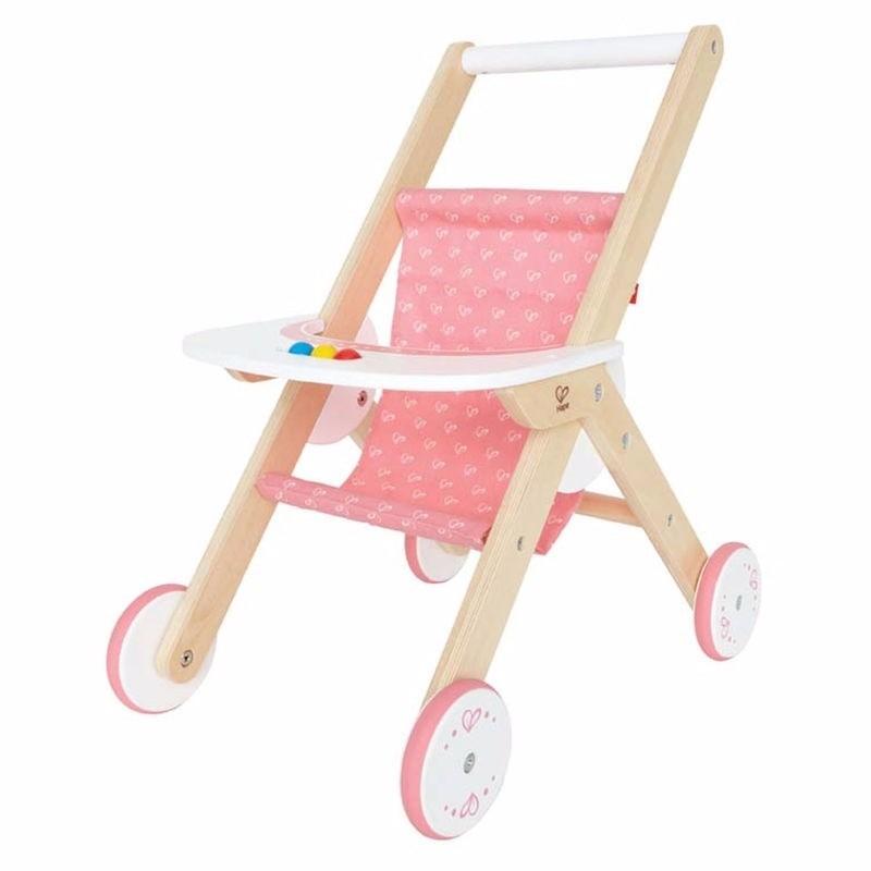 Houten wandelwagen voor een pop