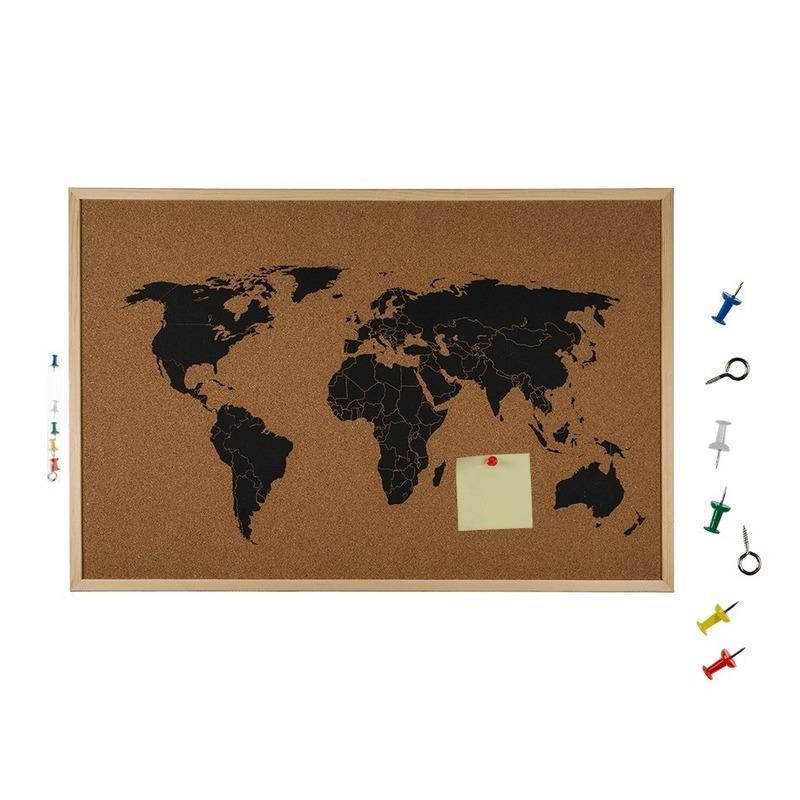 Prikbord van kurk met kaart van de wereld
