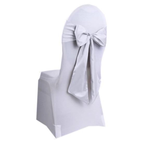 Trouwerij stoeldecoratie sjerp wit