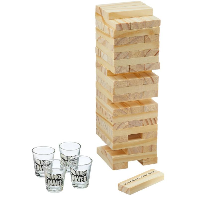 Drinkspel toren met bouwstenen met shotglaasjes
